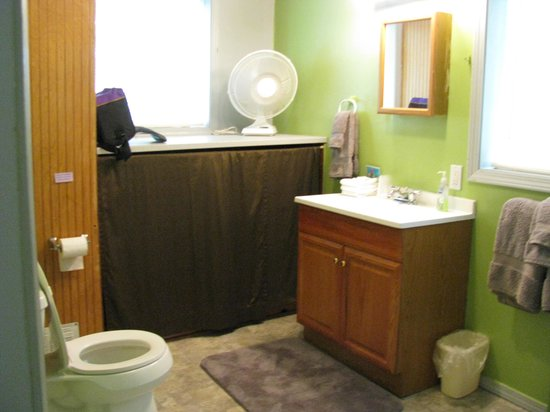 Farm Bed and Breakfast: Large bathroom with fluffy towels