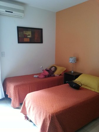 Sures Belgrano Suites: comedor más camas simples