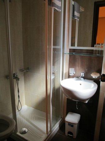Hotel Filoxenia: Bath