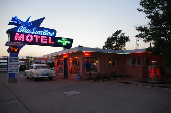 Blue Swallow Motel: Dusk at the Blue Swallow