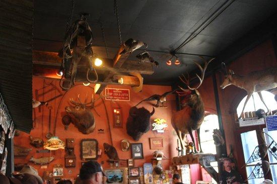 Handlebars Restaurant & Saloon: Great surroundings!