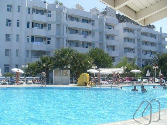 Hotel Flora Suites :)
