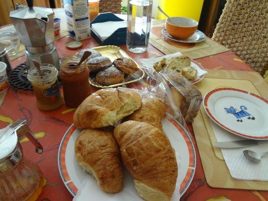 Maria Mari Bed & Breakfast : Colazione