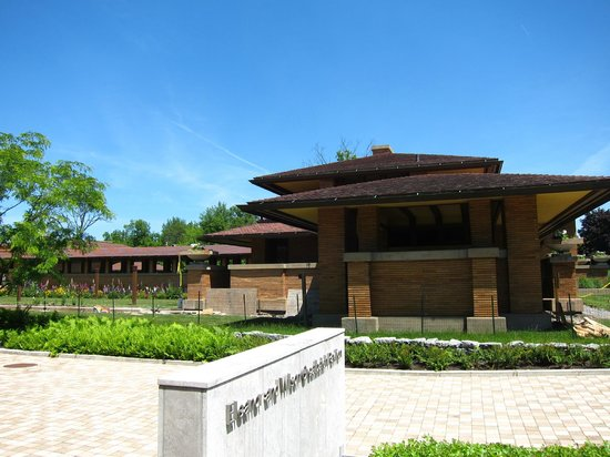 Frank Lloyd Wright's Darwin D. Martin House Complex: House exterior from the visitor center