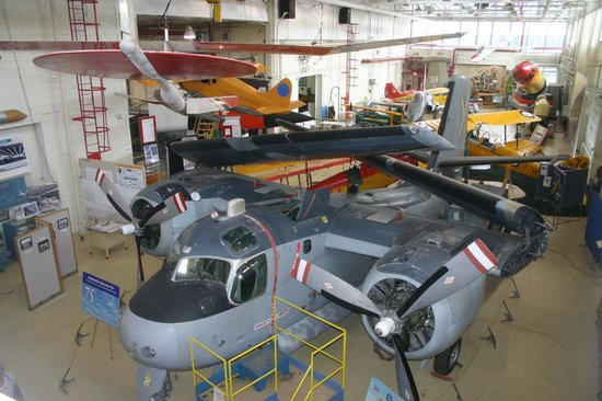 Canadian Air & Space Museum : View from second floor balcony