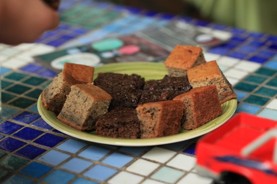 Up in the Hill - Coffee Shop & Organic Farm : Brownies and Banana Bread!