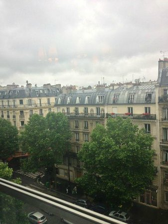Courcelles-Parc : View from breakfast