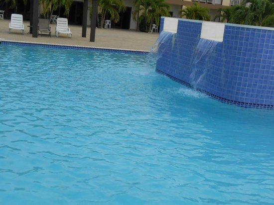 Aruba Breeze Condominium: One of the pools