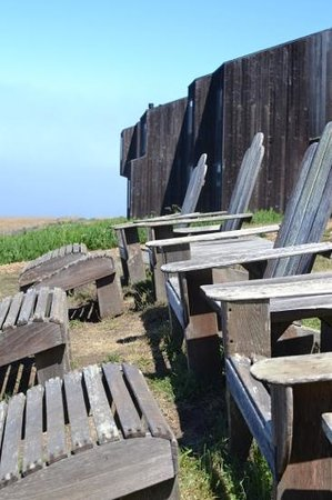 Sea Ranch Lodge: Waiting for you to take a Seat