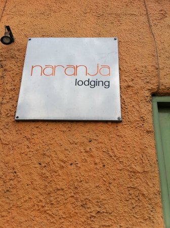 A Casa Naranja: Front sign