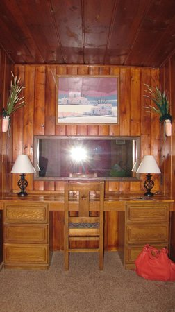 Rocky Top Motel and Campground: Marvelous paneling!
