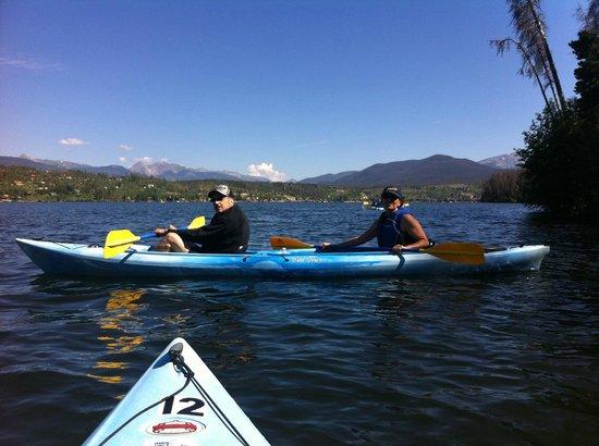 Mountain Paddlers: Ecotour on Shadow Mountain Lake