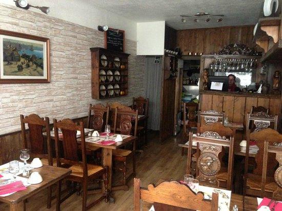 Crêperie Au Vieux Vannes : petit intérieur typique breton