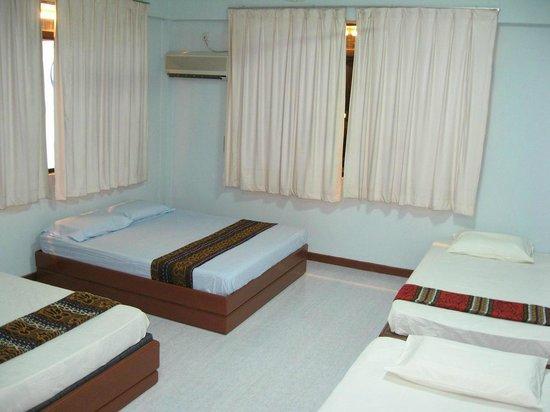 Borneo Global Sipadan Backpackers (Semporna): Borneo Global Sipadan - Family Room with Aircon and Toilet