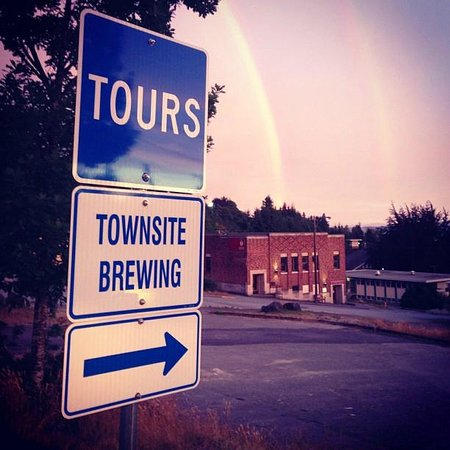 Townsite Brewing Inc: Free tours!