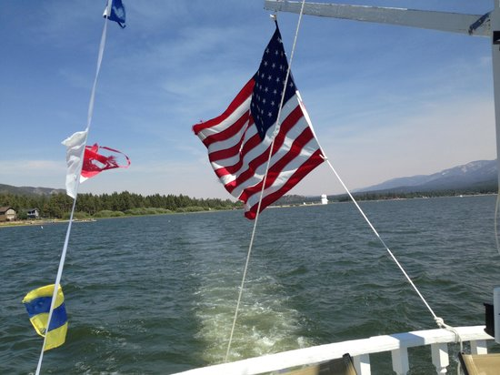 Big Bear Queen Lake Tours : Another beautiful day on the water at Big Bear Lake.