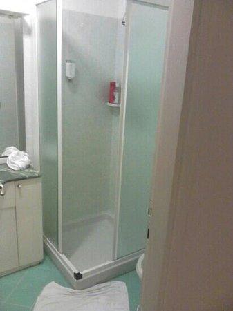 Hotel Mon Repos Hermitage: doccia