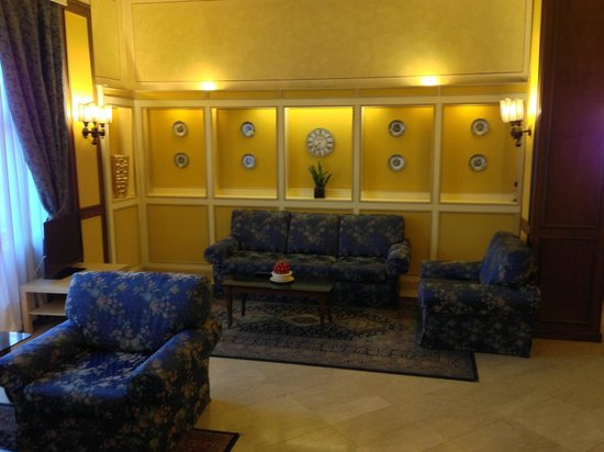 Hotel Ambasciatori: A place to read