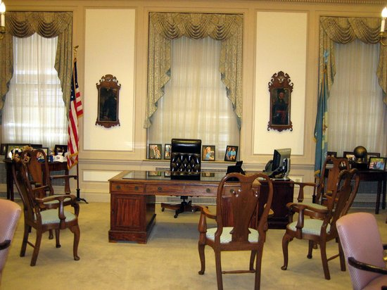 Legislative Hall: Oval Office des Gouverneurs
