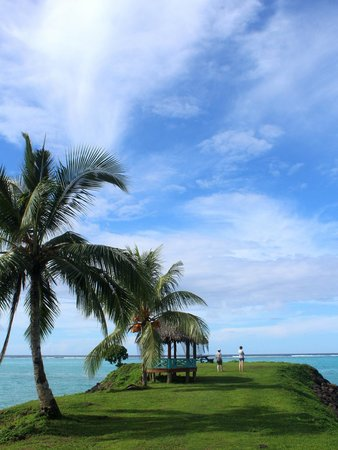 Amoa Resort: The beach opposite the resort