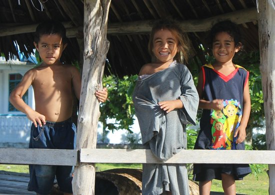Amoa Resort: Some of the friendly locals