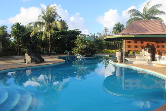 Amoa Resort: A stunning pool area- extremely clean and well kept
