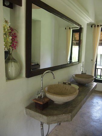 Phu Pai Art Resort : bathroom
