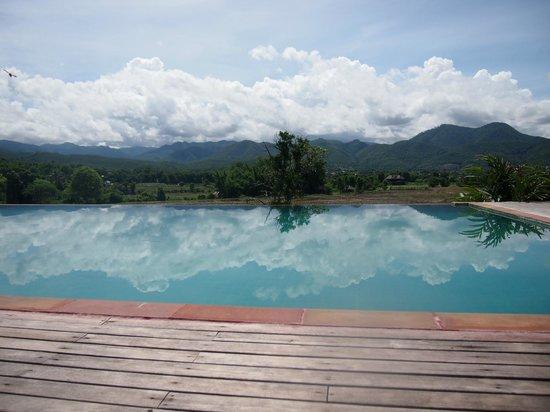 Phu Pai Art Resort: swimming pool