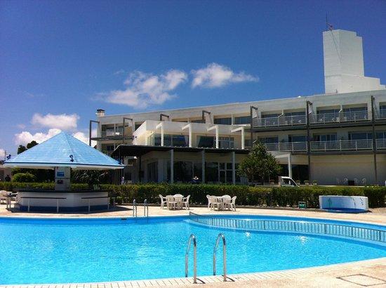 YYY Club Ie Resort : Hotel and pool