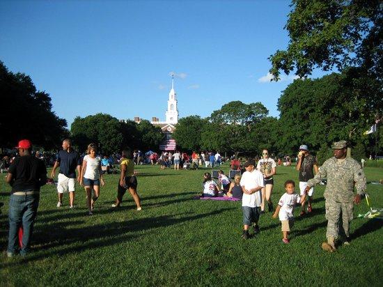 First State Heritage Park: Independence Day vor Legislative Hall