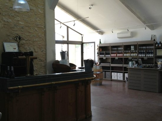 Domaine Vintur: Cellar shop and Tasting bar