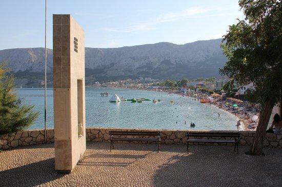 Hotel Corinthia: Baska beach area