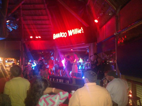 Bamboo Willie's : View of the stage and Band Playing! Great live music