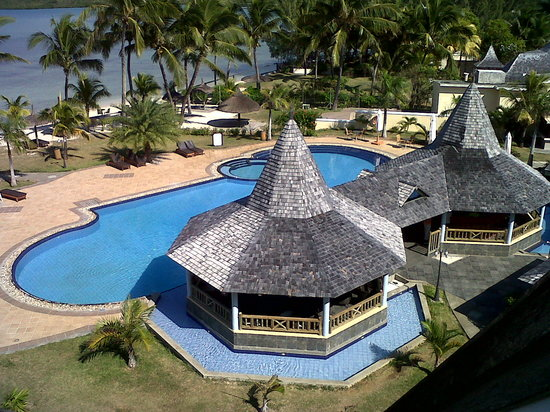 Jalsa Beach Hotel and Spa: Pool bar