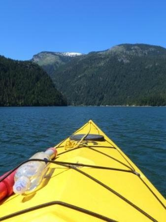 Colonial Creek Campground - Stehekin Valley Trail: Kayaking on Ross Lake