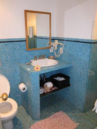 Vila D'este: One of the full baths in Room #8