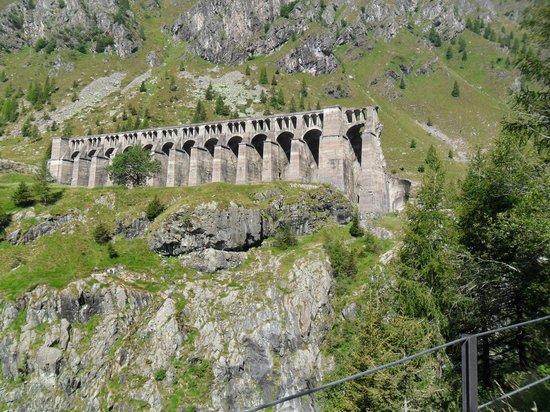 Vilminore di Scalve, Ιταλία: Rovine della Diga del Gleno.