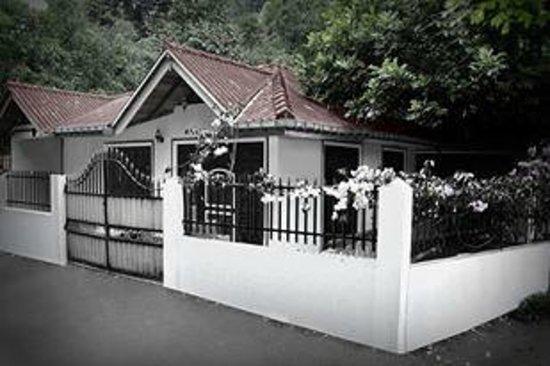 Prasanna Village Inn: Guest House