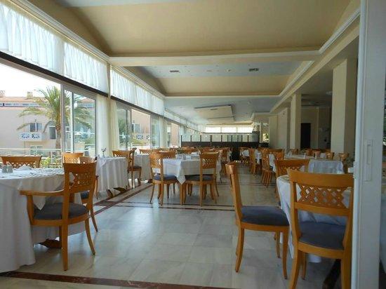 Selini Suites: Salle à manger