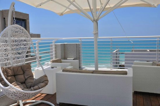 The Savoy Sea Side Hotel: Sundeck With Sea View