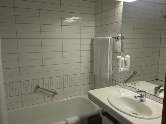 Hotel Ork: Bathroom