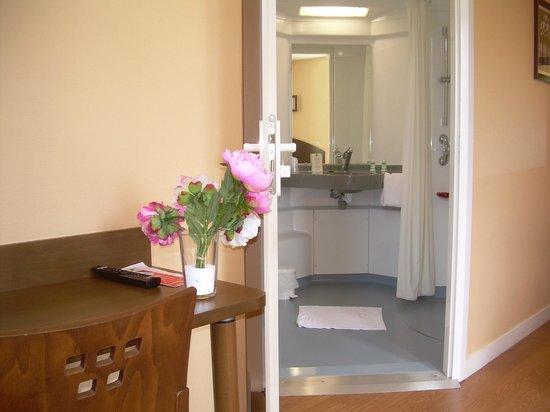 Domaine Lyon Saint Joseph : Salle de bains