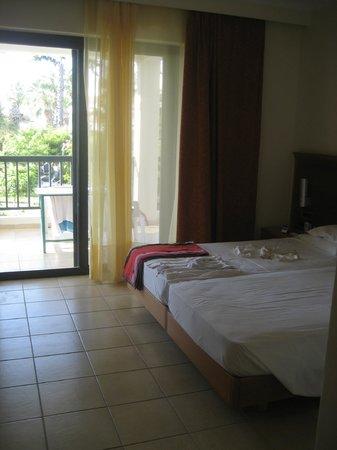 Tigaki Beach Hotel : Zimmer