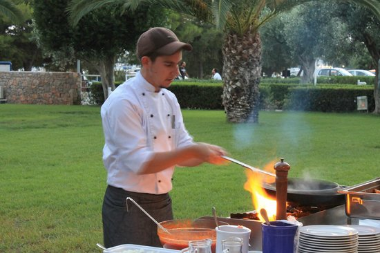 AKS Porto Heli Hotel: show cooking