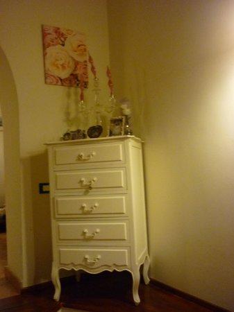 San Pietro A Corte B&B: dresser