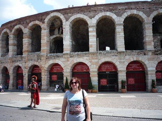 Verona Tours: Verona - in front of the theatre