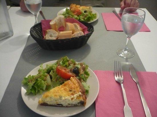 Le Petit Nid de Sophie : food in Sophie's restaurant