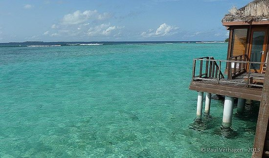 Sheraton Maldives Full Moon Resort & Spa: View from our private deck with steps down to the water
