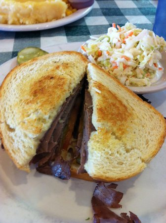 Pine Country Restaurant : Fantastic Melt with roastbeef