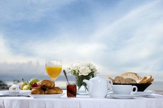 LIQAA Pavilion Residence: Breakfast